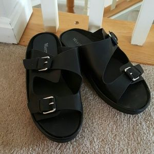 WANTED BLACK SANDALS